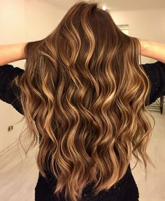 short auburn balayage hair looks Bronde Hair, Balayage Brunette, Hair Color Balayage, Brunette Hair, Balayage Hair Honey, Auburn Balayage, Brown Hair With Blonde Highlights, Hair Highlights, Carmel Highlights