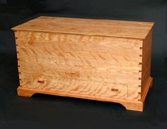 of curly red birch, this VT handmade blanket chest by Bob Gasperetti contains a cedar drawer is an optimal piece for storing items. Wooden Toy Chest, Wood Chest, Wooden Toys, Furniture Box, Furniture Projects, Custom Furniture, Wood Projects, Wooden Box Designs, Custom Wooden Boxes