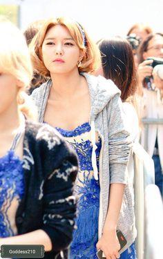 FY! GG Taeyeon Rain, Cute Asian Fashion, Korean Artist, Sooyoung, Snsd, Girls Generation, How Beautiful, Kpop Girls, Yuri