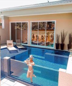 Swimming Pool Landscaping, Above Ground Swimming Pools, Small Backyard Pools, Swimming Pools Backyard, Swimming Pool Designs, Piscina Diy, Piscina Hotel, Outdoor Patio Shades, Outdoor Pool