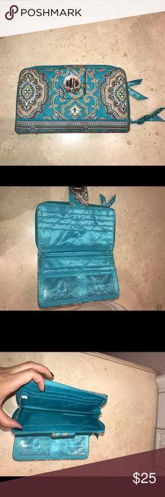 Turquoise Vera Bradley wallet Turquoise Vera Bradley wallet, in great condition Vera Bradley Bags Wallets