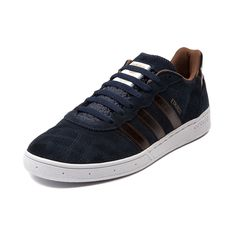 Look no further than the adidas Etrusco for retro soccer style and endless skate performance! This super durable skate sneaker features a suede upper, lace closure, classic adidas 3-stripe, and cupsole constructed rubber sole for shock absorbing grip and flexibility.