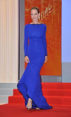 Uma Thurman - Faça como as celebridades e aposte no azul klein: http://abr.io/2mKU
