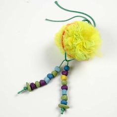 Easter Decorations made from Pom-Poms - Creative activities Craft Stick Crafts, Yarn Crafts, Pom Pom Maker, Easter Bunny Decorations, Crochet Patterns For Beginners, Easter Crafts For Kids, Creative Activities, Learn To Crochet, Hand Crochet