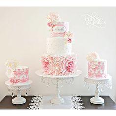 Beautiful Wedding Cakes, Beautiful Cakes, Creative Wedding Cakes, Creative Cakes, Amazing Cakes, Chandelier Cake Stand, Chandelier Wedding, White Chandelier, Ricotta Cake