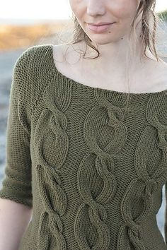 Ravelry: Sophie Pullover pattern by Pam Allen.love the wacky cable! Cable Knitting, Knitting Stitches, Knitting Designs, Hand Knitting, Clothing Patterns, Knitting Patterns, Handgestrickte Pullover, Crochet Clothes, Pulls