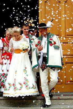 Exploring the weddings around the world-Polish Highland Wedding, Marzena Palider Traditional Wedding, Traditional Dresses, Folk Costume, Costumes, Polish Folk Art, Folk Fashion, People Of The World, Mode Style, Beautiful People