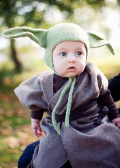 1000 images about baby yoda costume ideas on pinterest baby yoda costume handmade and costumes. Black Bedroom Furniture Sets. Home Design Ideas