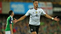Deutschland fährt zur Weltmeisterschaft nach Russland im nächsten Jahr. Im vo...