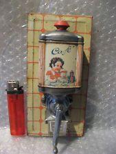moulin a cafe de dinette ou poupée, jouet tôle lithographiée , coffee grinder