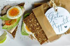 gesunder Avocado Sandwich - Healthy Avocado Sandwich Healthy Sandwiches, Wrap Sandwiches, Bbq, Avocado Toast, Cooking Recipes, Breakfast, Buffet, Food, Stuffed Avocado