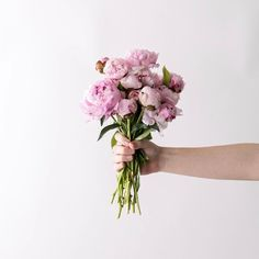 """35.7 k gilla-markeringar, 105 kommentarer - Magnolia (@magnolia) på Instagram: """"A bouquet of fresh flowers is the perfect complement to one of our unique gift ideas in The…"""""""