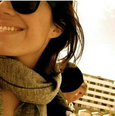 Mandy Moore Kate Jones, Round Sunglasses, Sunglasses Women, Mandy Moore, Face Claims, Pearl Earrings, Celebs, Selfies, Oc