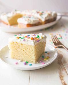 Easy Cake Recipes, Easy Desserts, Dessert Recipes, Muffin Recipes, Dessert Ideas, Small Desserts, Chef Recipes, Frosting Recipes, 8x8 Cake Recipe