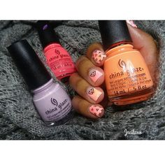 """Trinagles ⏫🔼 @chinaglazeofficial """"Sun of a Peach"""", """"In a Lily Bit"""" & """"Pink Plumeria""""  @uberchicbeauty Plate 6-03"""