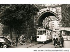 StraßenbahnnachBickendorfunterdemHahnentor, Rudolfplatz, 50674 Köln - Altstadt-Süd (1956)
