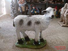 Küçük Kuzu Heykeli Goats, Cow, Animals, Animales, Animaux, Cattle, Animal, Animais, Goat