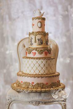 Elegant Alice In Wonderland Cake