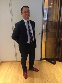 Mr Aadne Haga from Oslo demonstrates how to go straight from office to spend a lovely Friday night - in his new LGFG Fashion House handcrafted Othello shoes of course.