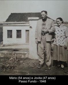 Casam-se em 4 de julho de  1916, em Campo do Meio, distrito do Município de Passo Fundo/RS, Mário da Fonseca Rodrigues (23 anos) e Jovita Nunes Vieira (15 anos), que passa a usar o nome Jovita Vieira Rodrigues. Tiveram 9 filhos: Geny, Leonar, Alda, Ivonne, Vanda, Leda, Ledy, Elba e Camões. Esta foto foi tirada em Passo Fundo, em frente a casa que compraram para que as filhas pudessem estudar e trabalhar.