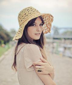 Love this beach hat.