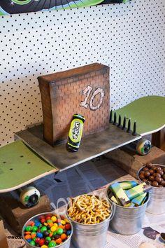 skateboard birthday party cake for boys