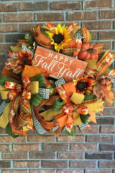 Fall Wreath Inspiration Fall wreath created by Christy Sproles Red Bird Wreath Designs. It's available in her Etsy shop. Thanksgiving Wreaths, Autumn Wreaths, Wreath Fall, Holiday Wreaths, Halloween Wreaths, Spring Wreaths, Summer Wreath, Thanksgiving 2020, Halloween Crafts