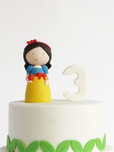 Blancanieves ♥ Peaceofcake ♥ http://peaceofcakedesign.blogspot.pt/2013/04/snow-white-cake-bolo-branca-de-neve.html