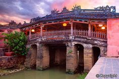 """Some people do not know that what they can do in Hoi An. Today, """"Hoi An walking tour"""" topic will supply you a lot of interesting things that you can explore Vietnam Hotels, Vietnam Tours, Hoi An, Laos, Vietnam Holidays, Beautiful Vietnam, Covered Bridges, Day Tours, Walking Tour"""