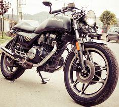 #Moto #Honda CB450DX Cafe Racer. https://www.arcar.org/honda-cb450dx-cafe-racer-81455
