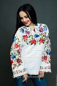 This Embroidered blouse floral blouse vyshyvanka mexican blouse white peasant blouse peasant blouse embroidered blouse peasant blouse top boho is just one of the custom, handmade pieces you'll find in our blouses shops. Mexican Blouse, Mexican Dresses, Embroidered Clothes, Embroidered Blouse, Top Boho, Böhmisches Outfit, White Peasant Blouse, Ethno Style, Bohemian Blouses