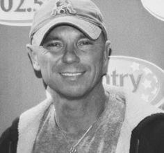 Kenney Chesney, No Shoes Nation, Jimmy Buffett, Country Music Artists, Love My Husband, Your Music, Comebacks, Sexy Men, Handsome