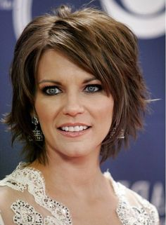 Short Layered Bob Hairstyles that'll Make You Amazed Short Layered Hairstyles with Bangs Oval Face Haircuts, Bob Hairstyles With Bangs, Thin Hair Haircuts, Haircut For Thick Hair, Celebrity Hairstyles, Bob Haircuts, Trendy Haircuts, Shag Hairstyles, Work Hairstyles