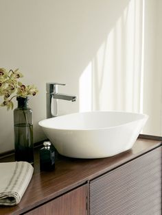 The Clearwater Sontuoso Basin is a stone countertop basin and is the perfect match for their Sontuoso Bath. Tall Basin Taps, Pedestal Basin, Natural Stone Countertops, Back To Wall Toilets, Wall Mounted Basins, Countertop Basin, Basin Design, Natural Bathroom, Contemporary Bathrooms