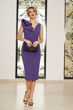 StarShinerS purple occasional dress with v-neckline with tented cut slightly elastic fabric with ruffle details Baptism Dress, Dress Cuts, Special Occasion Dresses, Size Clothing, Soft Fabrics, New Dress, Dress Outfits, Peplum Dress, Curvy