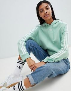Buy Adidas Originals Three Stripe Cropped Hoodie In Green at ASOS. Get the latest trends with ASOS now. Legging Outfits, Casual Skirt Outfits, Athleisure Outfits, Adidas Hoodie, Hoodie Sweatshirts, Black Hoodie Outfit, Looks Adidas, Trendy Hoodies, Mode Kpop