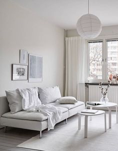 Are you looking for the perfect idea before designing your living room? Well, we have 35 classy white living room ideas for you. Living Room White, White Rooms, Living Room Modern, Interior Design Living Room, Living Room Designs, Living Room Decor, Living Rooms, Söderhamn Sofa, White Home Decor