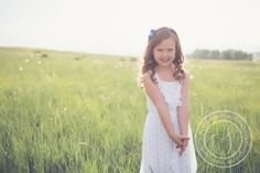 colorado photographer | northern colorado | ft collins | newborn, baby, kid's, family photographer | siblings | sister poses | photo session | children's photo shoot | field | natural light | lifestyle portraiture | www.mirandalsober.com
