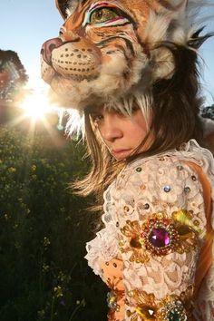 Natalia Lafourcade. I want this costume.