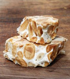 Turron Duro (Alicante) Spanish Candy - Hard Nougat Made of Honey Almonds and Sugar We eat this at Christmas time. Puerto Rican Cuisine, Puerto Rican Dishes, Cuban Cuisine, Puerto Rican Recipes, Cuban Recipes, Candy Recipes, Snack Recipes, Cooking Recipes, Fun Desserts
