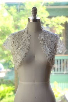 Lace bolero jacket by Caslois on Etsy
