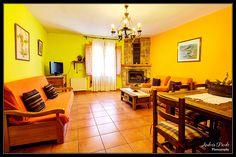 http://www.casaamadeo.es/ La Casa Rural Amadeo, está situada en el centro de Villarroya de los Pinares, un encantador pueblo de Teruel, la casa consta de dos apartamentos, ambos completamente equipados. Photography by: Andrés Pardo http://andrespardo.es/