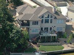 VRBO.com #629061 - 6 Homes in Same Cove, Sleeps up to 76, Private Beach & Heated Pool Lake of the Ozarks Missouri