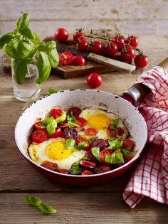 Unser beliebtes Rezept für Power-Frühstück mit Eiern, Chorizo-Wurst und Tomaten und mehr als 55.000 weitere kostenlose Rezepte auf LECKER.de.
