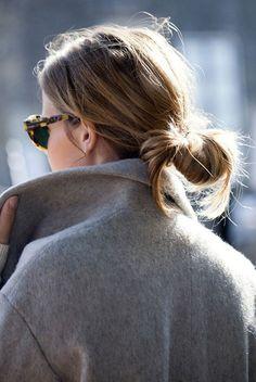 Minimal Chic, Minimal Fashion, Hair Inspo, Hair Inspiration, Fashion Inspiration, Messy Ponytail, Super Hair, Look Chic, Top Knot