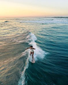 The thing that is first do every morning is go online to check the surf. If the waves are good, I'll go surf. Kitesurfing, Summer Vibes, Summer Surf, Summer Feeling, No Wave, Summer Aesthetic, Surf Style, Surf Girls, Surfs Up