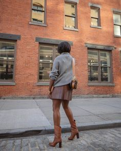 Le Fashion: 25 Chic Leather Skirts To Elevate Your 2020 Fall Wardrobe —@cocobassey There's nothing chicer than glossy leather during the fall and winter. Whether it be faux or real — the options are virtually endless. Our favorite influencers and editors have already begun transitioning their wardrobes for the season, and we're all on board with the leather skirt. From blood red to classic black, these are the 25 leather skirts (both mini and maxi) we're adding to our carts.