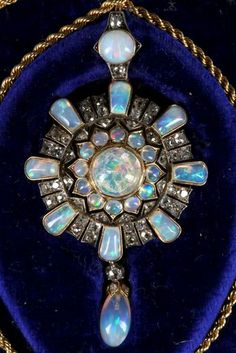 Vintage Jewelry A fine Victorian gold, opal and diamond cluster pendant / brooch, with removable pin and gold rope twist chain, fitted box. Victorian Gold, Victorian Jewelry, Antique Jewelry, Vintage Jewelry, Custom Jewelry, Art Deco Jewelry, Opal Jewelry, Gold Jewelry, Jewelry Design