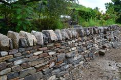 Tips for building dry laid stone retaining walls that last