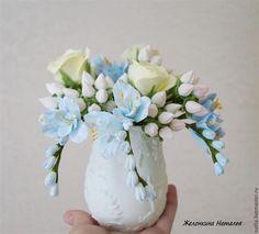 Купить Букет с кремовыми розами и голубой фрезией - голубой, розовый, кремовый, цветы ручной работы